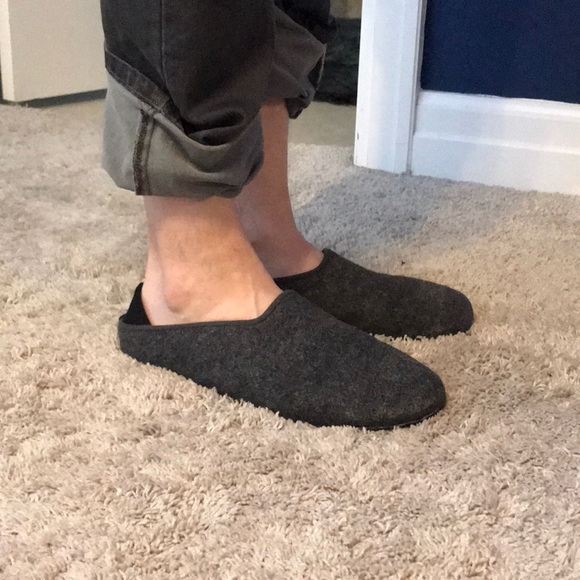 ad24a7b10975 Mahabis Other - Mahabis men s wool slippers removable soles gray